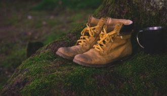 Importancia de las botas de montaña al hacer senderismo en verano